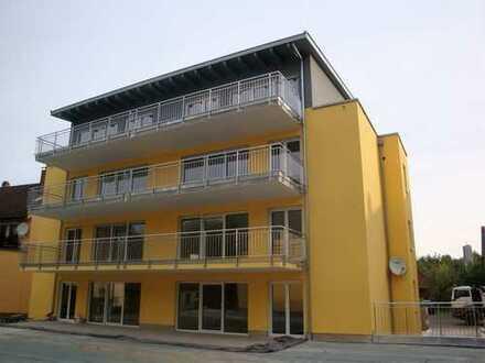 Neuwertige 3-Zimmer-Wohnung mit Balkon und Einbauküche in Böbingen an der Rems