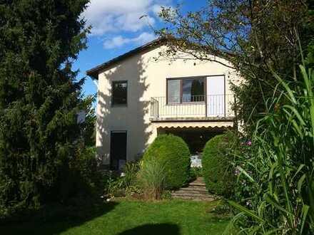 Freistehendes Einfamilienhaus 6 Zimmern/ 155m² Wfl/ 550m² Garten in Untermenzing