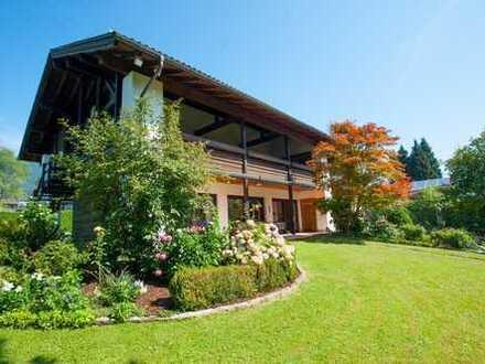 Villa in Bayerisch Gmain mit 2.400 m² Grundstück