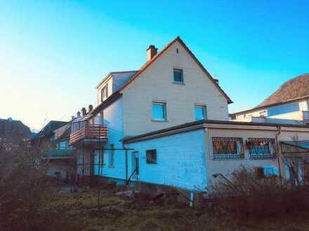 Freistehendes Mehrgenerationenhaus mit Anbau und Garten - 3 Wohneinheiten - teilweise vermietet !