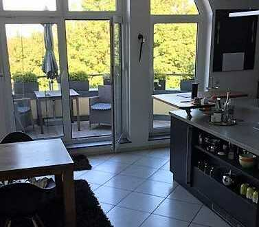 Attraktive 4-Zimmer-DG-Wohnung mit 2 Bädern u. 3 kleinen Balkons in Edenkoben