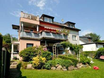 Hausteil mit 2 Wohnungen in HH-Bramfeld: In schöner Wohnlage - beide Wohnungen sind vermietet