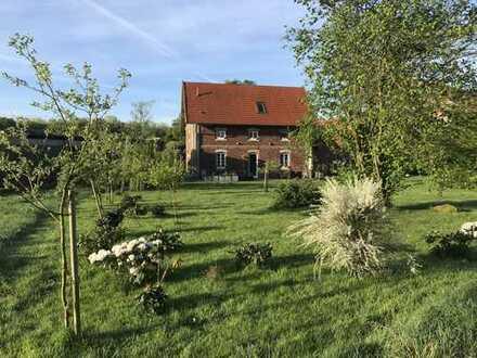 Kornspeicher mit Terrasse im Grünen