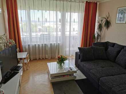 Geschmackvolle helle Wohnung mit zwei Zimmern sowie Balkon und Einbauküche am Buckenberg/Haidach