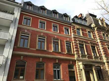 Kernsanierte Gründerzeit Stadtvilla, vier helle 3-4 ZKBB Wohnungen mittendrin und doch im Grünen