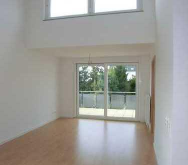 Für Senioren: Neuwertige 2-Zimmer-Wohnung mit Balkon und EBK in Untergruppenbach