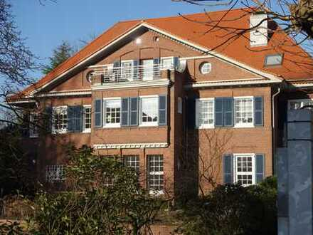 Beste Stadtwaldlage!! Wohnen und/oder arbeiten in stilvoller Altbau-Villa!!