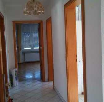 Schöne 3-Zimmer-Wohnung mit Balkon und EBK in Ludwigshafen