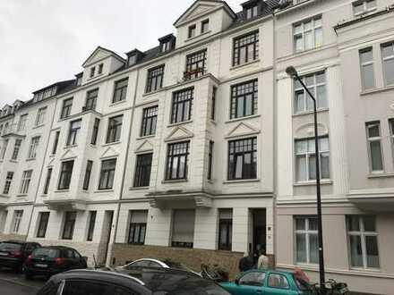 in beliebter Lage (Frankenberger Viertel) kleines Appartment in Jugendstilhaus