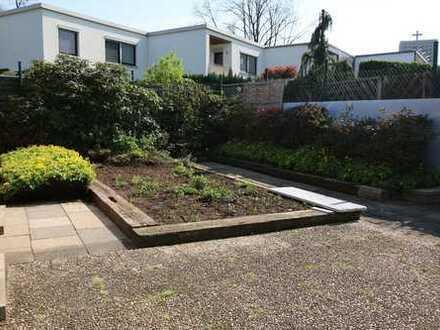 Einliegerwohnung mit ca. 42 m² Wohnfläche, 2 Zimmern und Terrasse in schöner Lage am Parkfriedhof