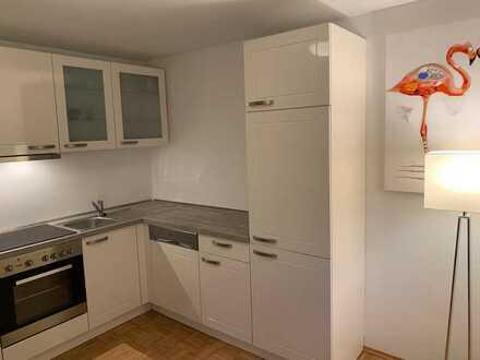 Komplett möblierte 2-Zimmer-Wohnung zu vermieten von Privat