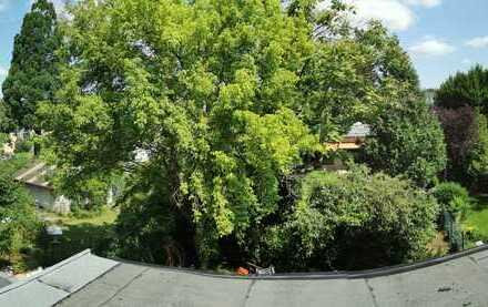 Teilklimatisierte Dachgeschosswohnung mit drei Zimmern in Dünnwald, Köln