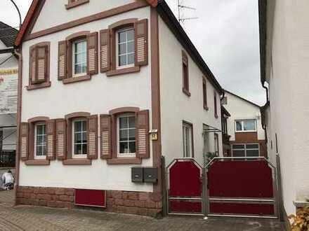 Freundliches und modernisiertes 8-Zimmer-Haus zur Miete in Freisbach