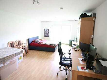 Sehr schöne geräumige 1 Zimmer Wohnung nahe Zentrum!