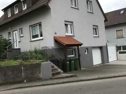 Modernisierte 3,5-Zimmer-Erdgeschosswohnung mit Garten, Terrasse und Einbauküche in Gemmrigheim