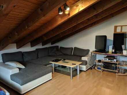 Gepflegte 4-Zimmer-Dachgeschosswohnung mit Balkon in Keltern-Dietlingen