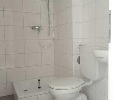 *Erstbezug nach Vollsanierung! Tolle 3-Zimmer-Wohnung mit Balkon sucht kleine Familie*