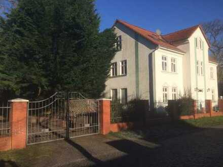 schöne, helle, vollständig renovierte 2-Zimmer-Wohnung OG links in Wustermark OT Priort