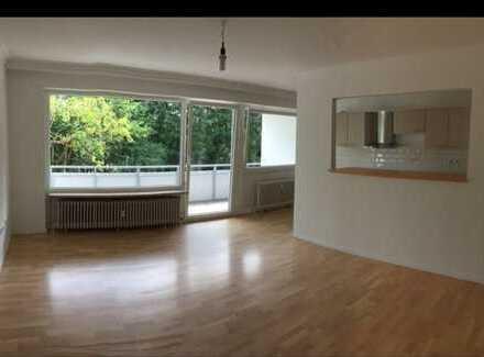 Schöne 2 Zimmer Whg in Laboe mit Balkon, EBK und Keller