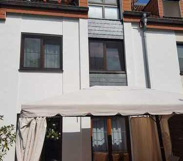 Schönes Reihenmittelhaus mit fünf Zimmern in Rodgau
