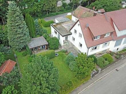 Doppelhaushälfte mit großem Gartengrundstück