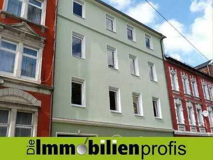 HOF: Renovierte 3 Zimmer-Eigentumswohnung mit Ausbaureserve