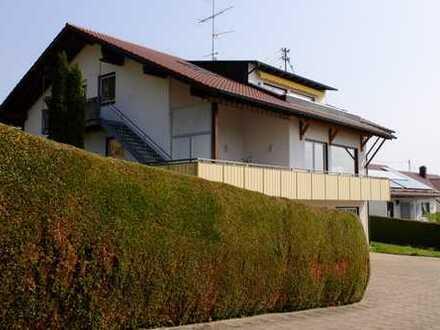 Gepflegte 2-Zimmer-Erdgeschosswohnung * inkl. Einbauküche und Garage * in ruhiger Umgebung