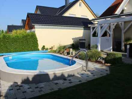 Ingolstadt-Süd- grüne Lage Traumhaftes exklusives Einfamilienhaus mit Süd/Garten+ Pool + Terrassen