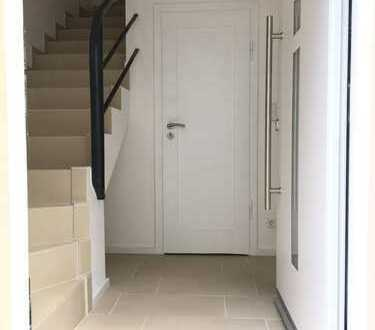 Wunderschöne Maisonette mit eigenem Eingang, komplett Modernisiert, 3ZKB