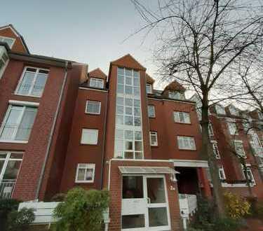 Sehr helle 3 Zimmer Dachgeschossmaisonettewohnung ohne Lift mit Weitblick im Weidedammviertel