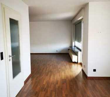 ***Angenehme 5 ZKB–Whg. mit Balkon – tolle Zentrale Lage***