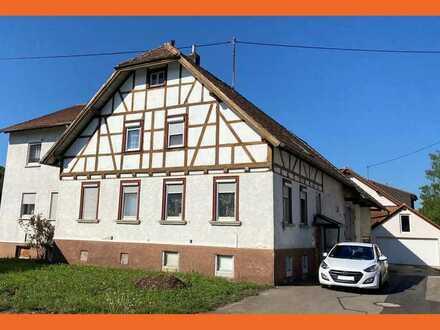 Wohnhaus mit viel Platz und großer Scheune in Sonnenbühl-Willmandingen