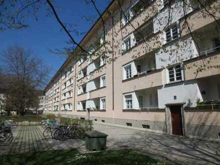 2 Zimmer 1 halbes Zimmer in Neuhausen