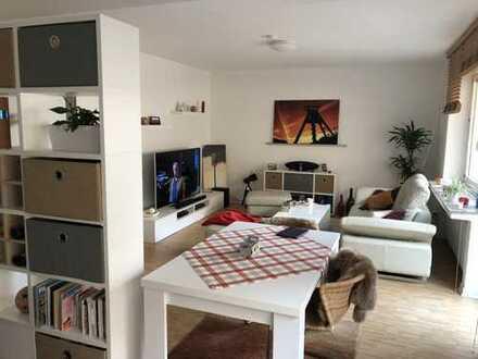 560 €, 80 m², 2 Zimmer
