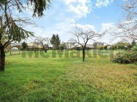 Komplettes Grundstück Bauland: DHH mit Garten und Ausbaupotenzial in beliebter Wohnlage