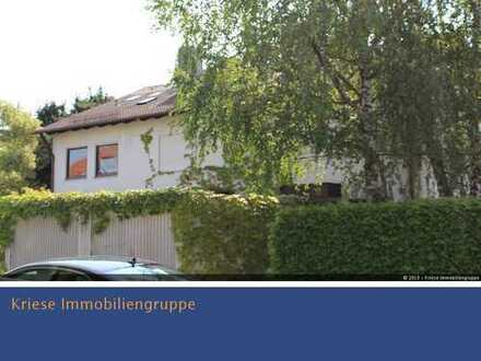 Idylisches Reiheneckhaus ca. 127m² Wohnfläche mit Terrasse, Balkon und Garten in 82256 Gilching