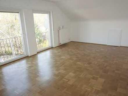 Schnuckelige 2 Zi DG-Wohnung in Langen