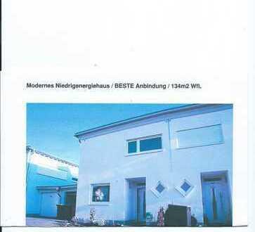 Top moderne Doppel-Haushälfte mit fünf Zimmern in Hargesheim