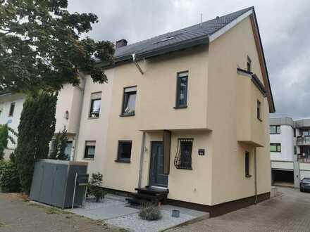 Sanierte Doppelhaushälfte in Neuhermsheim, Mannheim