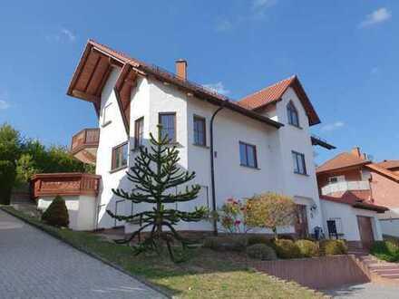 +++Attraktives, großzügiges, freistehendes 2-Familienhaus in sonniger, ruhiger Höhenlage+++