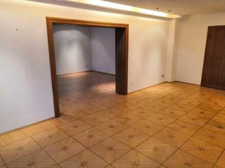 Wohnung mit WOW-Faktor - Tafelparkett trifft Industrial-Look