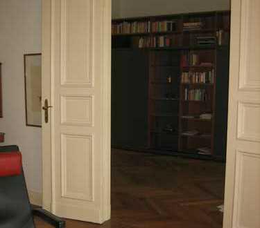 Vollständig renovierte 3-Zimmer-Wohnung mit Balkon und EBK in Mitte, Berlin