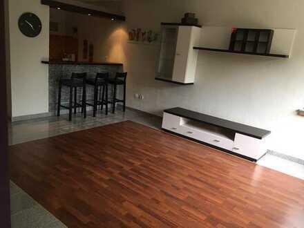 Vollständig renovierte 1,5 Zimmer Wohnung mit Einbauküche
