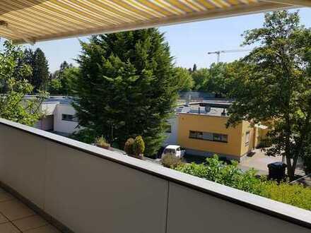 """""""Haus im Haus"""" - große Wohnung mit Balkon und Atrium in Bestlage von Bad Homburg"""