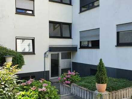 Exklusive, gepflegte 4-Zimmer-Wohnung mit Balkon und Einbauküche in Wiesbaden