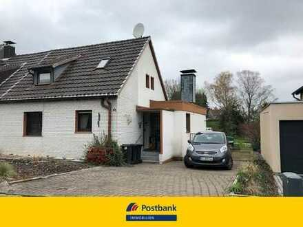 Wer erweckt dieses Haus auf einem traumhaften Grundstück zu neuem Glanz?