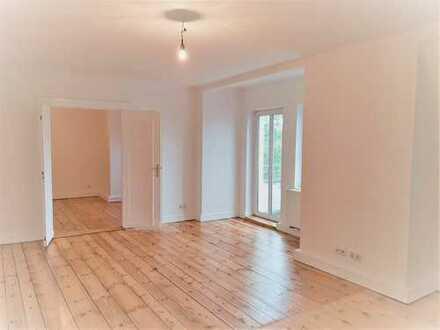 stilvolle geräumige 3 Zimmer, DG, EBK, grosses Bad, Parkett, 2 Balkone, Erstbezug nach Sanierung