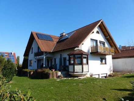 Großzügiges Wohnhaus im Landhausstil