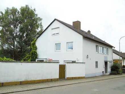 Wunderschön Wohnen und Arbeiten in einem modernisierten und geräumigen Haus