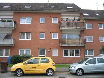 Schöne, gepflegte 2-Zimmer-DG-Wohnung - zentral in KR Fischeln (provisionsfrei)
